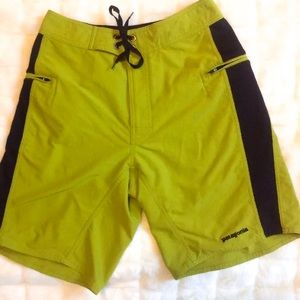 Patagonia Board Shorts Green Swim Trunks Size 28